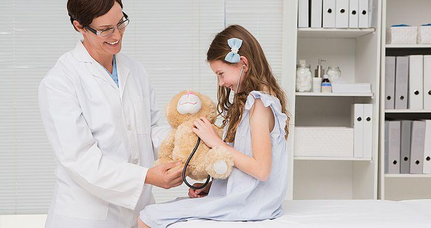 молодая девочка наприеми гинеколога