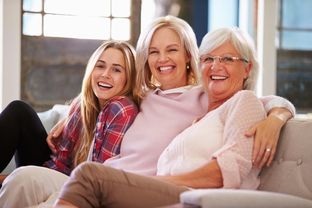 Мать и дочь и бабушка
